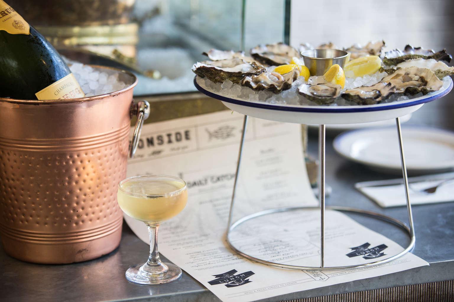 12 conseils pour servir des huîtres à la maison