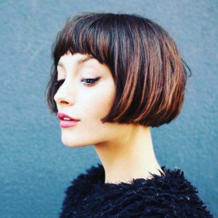 Quelles sont les causes de la chute des cheveux chez les femmes ?